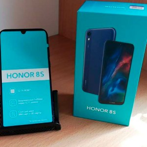 Honor-8s1